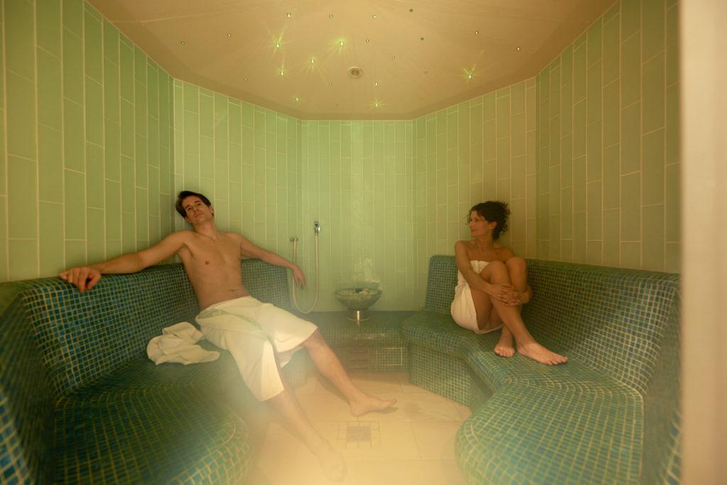 Hotel-Angerer-Alm_Wellness_Kraeuter-Dampfsauna