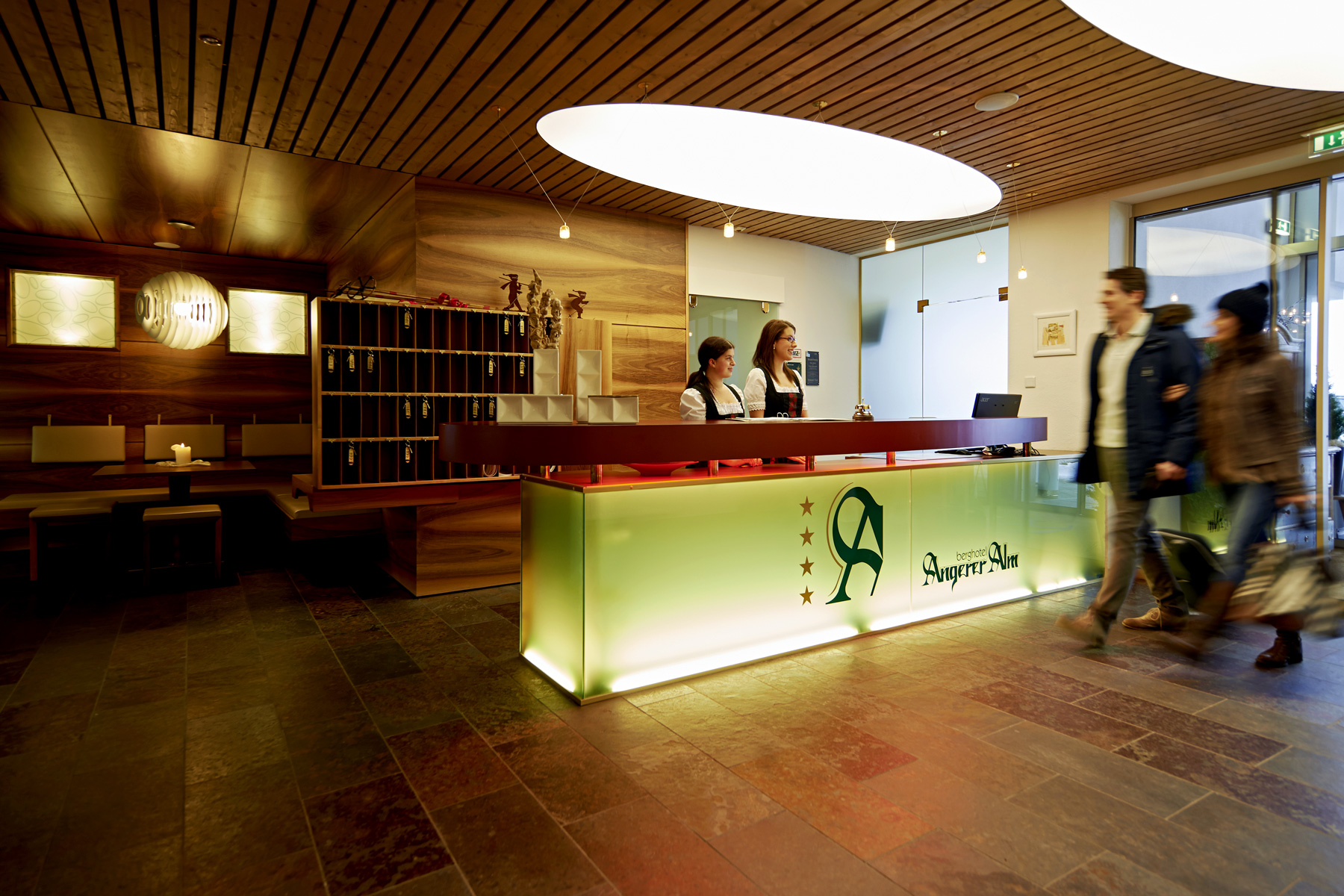 Hotel-Angerer-Alm_Reception_Lobby